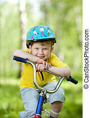 trevlig, unge, weared, in, hjälm, på, cykel