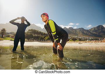 triathlon, klagen, entschlossen, vorbereiten, nasse, athleten
