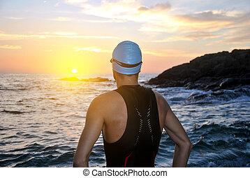 triatlón, atleta, salida del sol, joven, frente