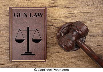 tribunal, marteau, à, fusil, livre loi