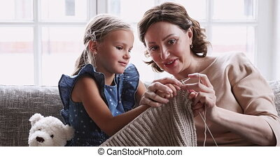 tricot, préscolaire, petite-fille, mûrir, ensemble, ...