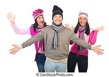 tricotado, alegre, amigos, grupo, roupas