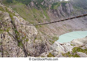 Trift bridge and lake