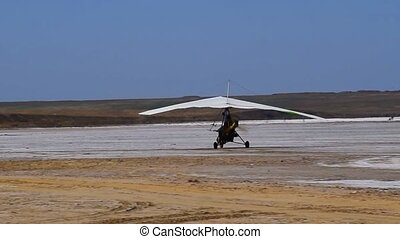 trike on the salt lake. Preparing for flight.