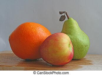 trio of fruits
