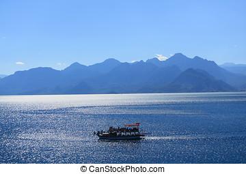 Trip boat in the sea