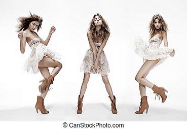 triplo, imagem, de, modelo moda, em, diferente, poses