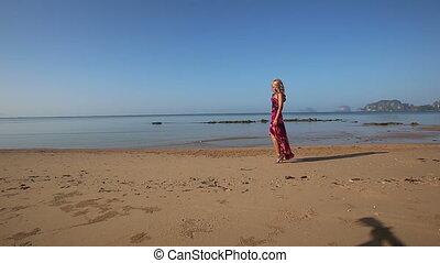 triste, approches, promenades, long, ombre, guitarist's, plage, girl, rouges