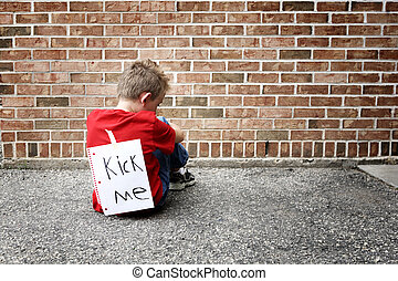 triste, menino sentando, com, um, retroceder-me sinal, ligado, seu, costas