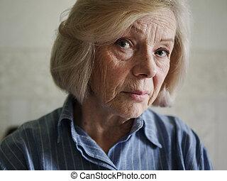 triste, mulher velha