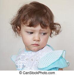 triste, nena, mirar, abajo., primer plano, retrato
