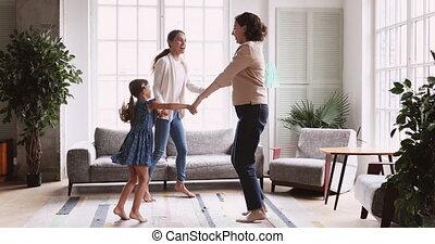 trois, 3, salle, famille, danse, femmes, générations, vivant, âge