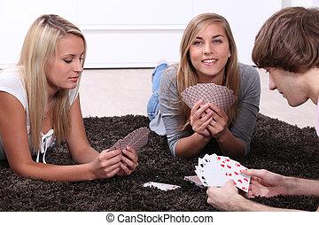 trois, ados, jeu, jeu carte, assis