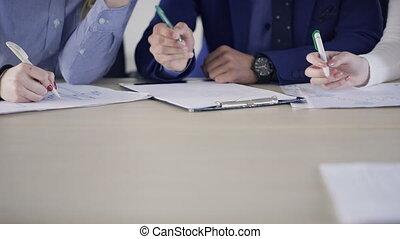 trois, employés, écrire, séance table, indoors.