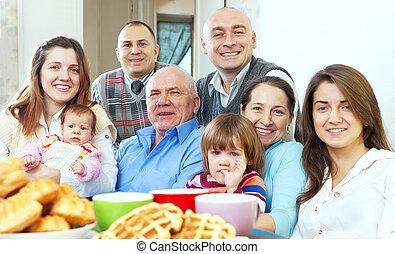 trois, famille, heureux, générations, grand