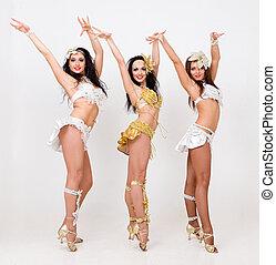 trois, jeune, sexy, femmes, danse