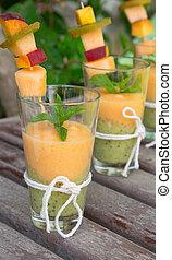 trois lunettes, de, smoothie, melon-kiwi