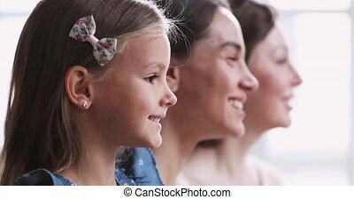 trois, profil, portrait famille, côté, générations, 3 femmes...