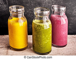 trois, sain, légume frais, et, fruit, smoothies