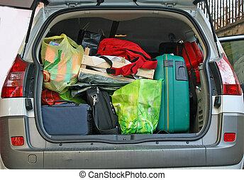 tronco del coche, llenado, con, equipaje, listo, salir,...