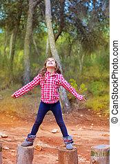 troncs, arbre, bras, escalade, girl, ouvert, gosse