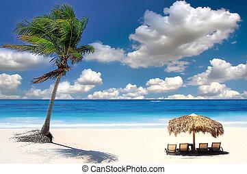 Tropical beach, Chang Islands, Siam Bay,Thailand - A straw...