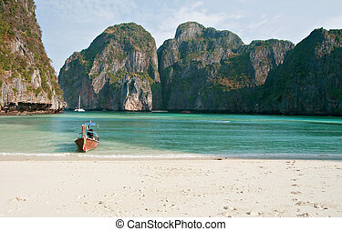 Tropical beach, Maya Bay, Thailand