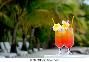 Tropical cocktails served outdoor on Pacific Island resort ...