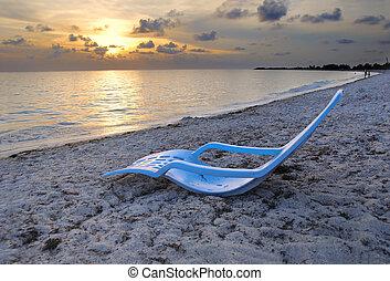 Tropical cuban beach - Hdr shot of tropical cuban beach at...