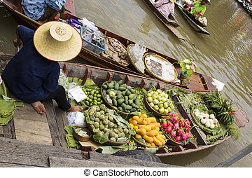 Floating Market in Thailand - Tropical Frouit on boat of ...