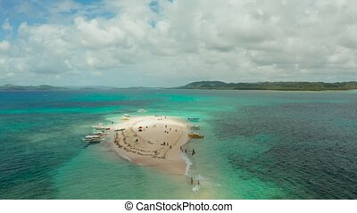 Tropical island with sandy beach. Naked Island, Siargao -...