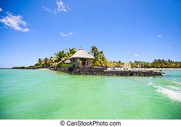 Tropical resort - Beautiful ocean and tropical resort with...