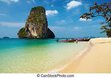 tropical strand, thailand
