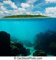 tropical, submarino, tiro, splitted, con, isla, y, cielo