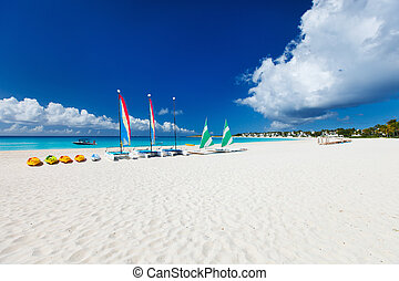 tropikalna plaża, katamarany