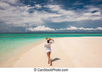 tropikalny, słońce, kobieta, plażowy kapelusz