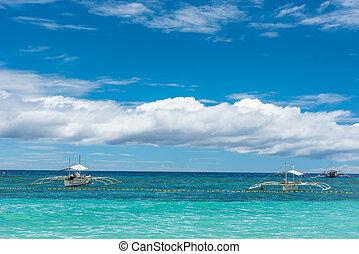 tropikus, háttér, kilátás, alapján, paglao, sziget, -ban, alona, tengerpart, noha, hagyományos, csónakázik, lenget, blue, ég, és, turquoise tenger, víz, utazás, szünidő, -ban, fülöp-szigetek