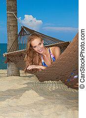 tropische vrouw, het genieten van, ontsnapping