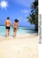 tropische , wandelende, strand, paar, hartelijk