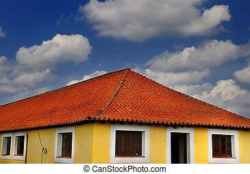 tropisk, hus, under, blå himmel
