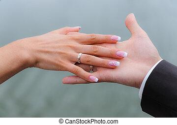 trouwfeest, handen, met, ringen