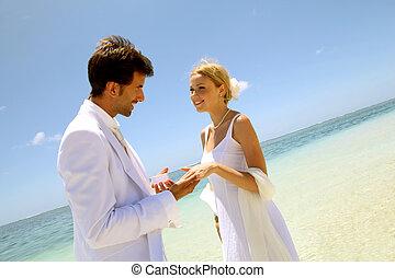 trouwfeest, op, een, witte , zandig strand
