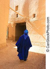 Tuareg man in Rissani - Berber man dressed in traditional...