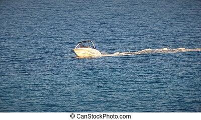 Tube ride a motorboat 4k