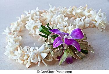 tuberose, lei, met, paarse , orchidee, en, lint