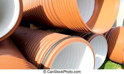 tubes, concept, chariot, closeup, bâtiment industriel, empilé, ou, canaux transmission, fond, infrastructure, site., nouveau, coup, toile de fond, plastique