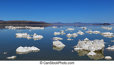 Tufa - At Mono Lake in California's eastern Sierra, rocky...
