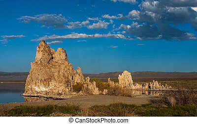 Tufa formations in Mono Lake, California