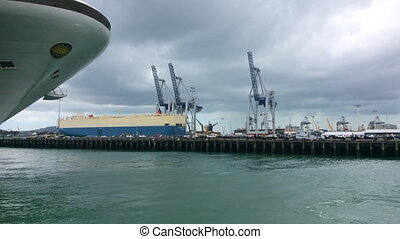 Tugboat mooring ports of Auckland - Tugboat mooring at...