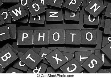 "tuiles, mot,  ""photo"", noir, lettre, orthographe"